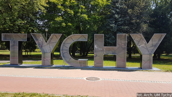 Display tychy  hollywood
